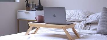 23 mesas, bandejas y accesorios para desayunar en la cama, teletrabajar desde ella… Y lo que surja