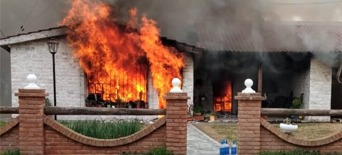Pincen: un voraz incendio causó importantes daños materiales en una vivienda